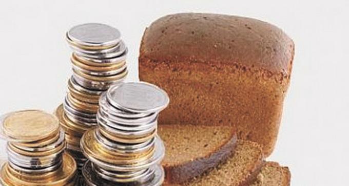 Інфляції немає, а гривня знецінюється на очах