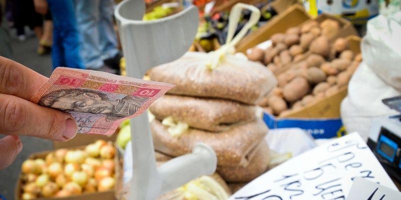 Українці витрачають на їжу найбільше грошей серед усіх європейських країн