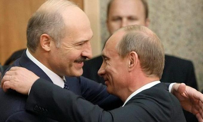 Росія виділить Білорусі кредит на 450 мільйонів доларів