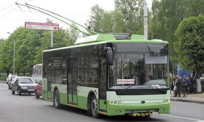 Депутати вирішили за кредитні кошти купити Луцьку тролейбуси