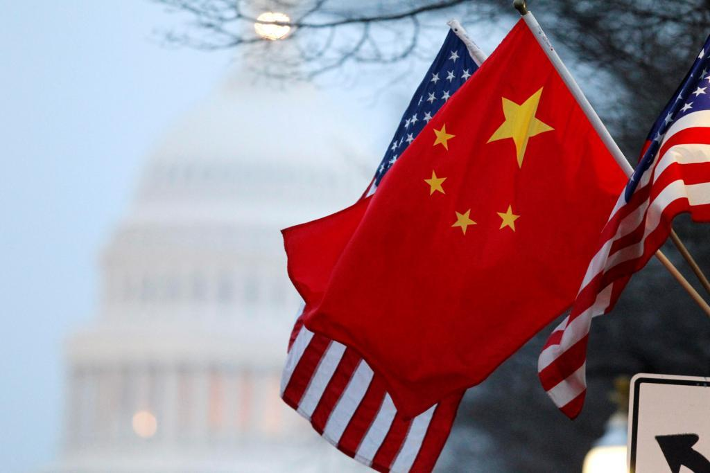 Китай обігнав США і став лідером світової торгівлі