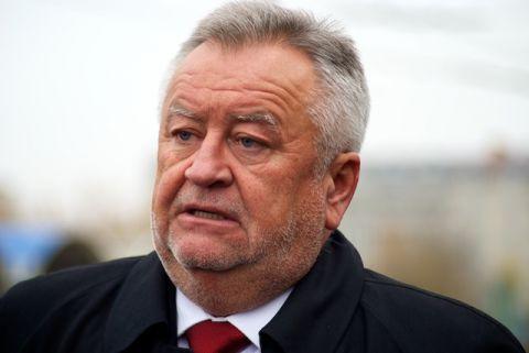 Волинський губернатор просить мітингувальників почекати з його відставкою
