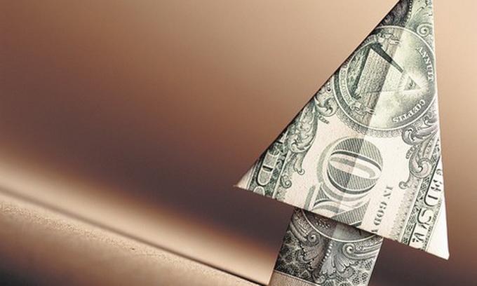 Долар на міжбанку вже зріс до 9,85 гривень