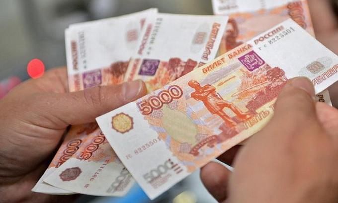 У Криму оголосили рубль офіційною валютою