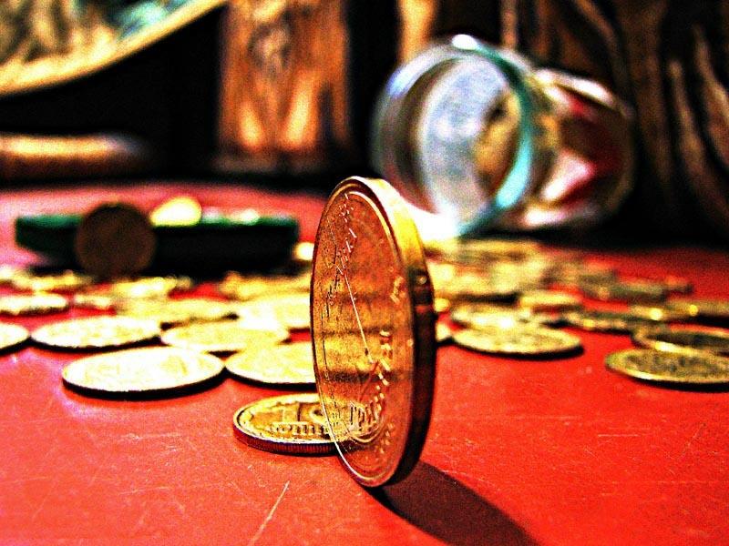 Уряд хоче обкласти податком надходження з депозитів багатіїв