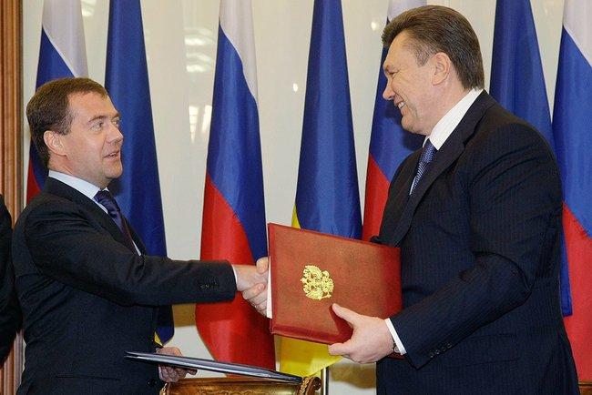 Медведєв вимагає денонсувати «Харківські угоди» і хоче здерти з України $11 млрд компенсації