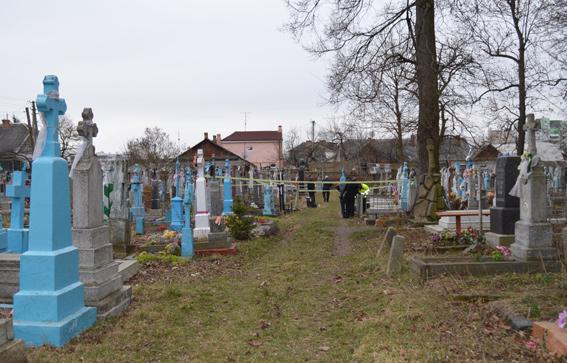 У Володимирі-Волинському на кладовищі знайшли тіло 17-річного хлопця