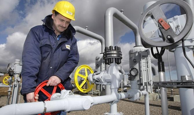 Яценюк розповів, що газ із Європи Україна може отримувати на $100 дешевше, ніж російський