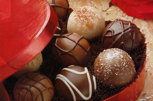 Україна знайшла купу порушень і забракувала російські цукерки, сир та рибу