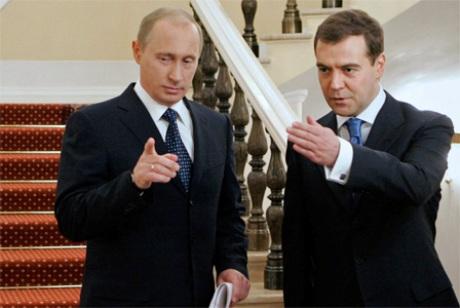 Путін хоче перевести Україну на передоплату, а Медведєв нарахував 16 мільярдів боргу