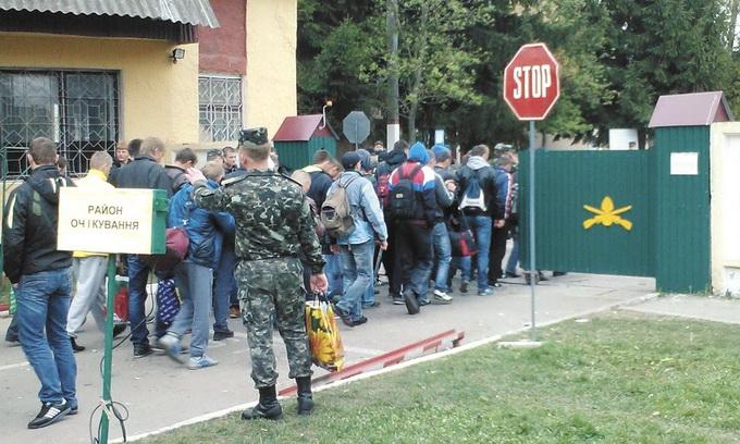 Тисячі волинян минулого тижня пішли до війська