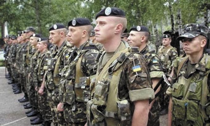 Мобілізація до війська триває, призов на строкову службу призупинено