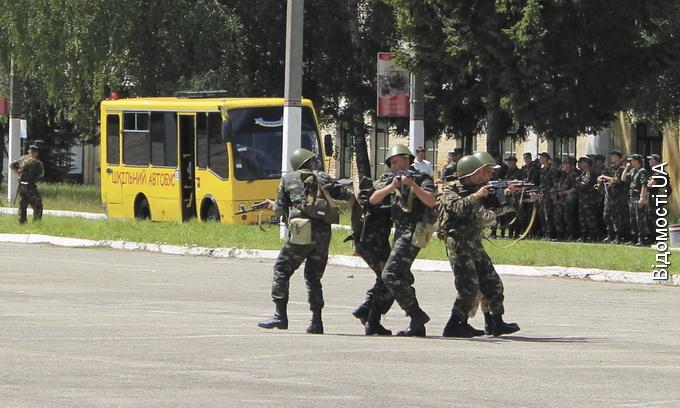 Волинських військових вбивають тендери та неорганізованість чиновників