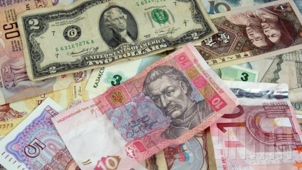 Гривня порівняно з валютами світу найбільш недооцінена