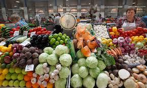Росія вводить повну заборону на імпорт продуктів з ЄС та США