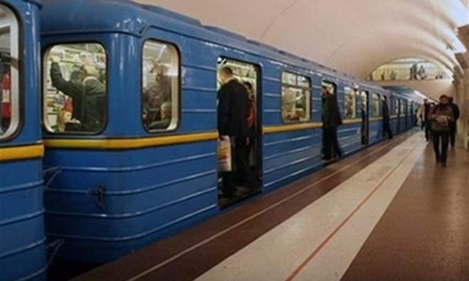 Із січня проїзд у київському метро піднімуть до 3,5 гривень