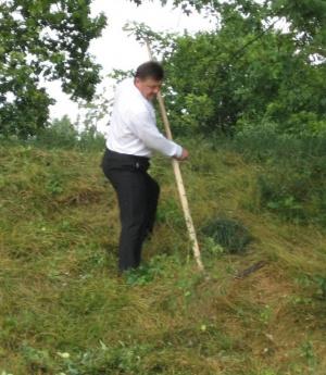 Керівник «Зеленого господарства» змусив мера Луцька косити траву