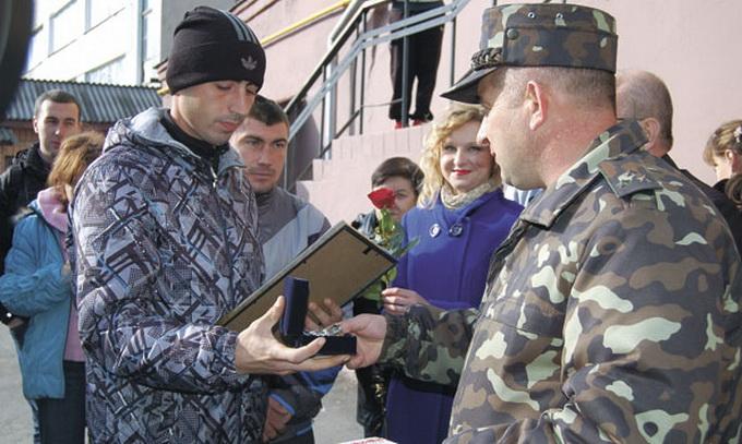 Через бюрократичну машину військові не скоро отримають статус учасника бойових дій