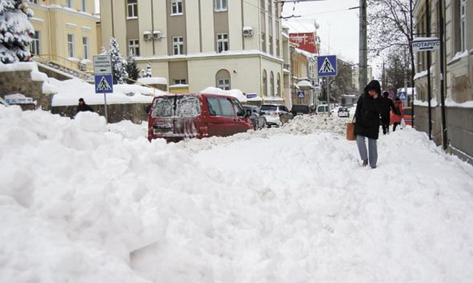 Техніки для боротьби із зимовими переметами не вистачить