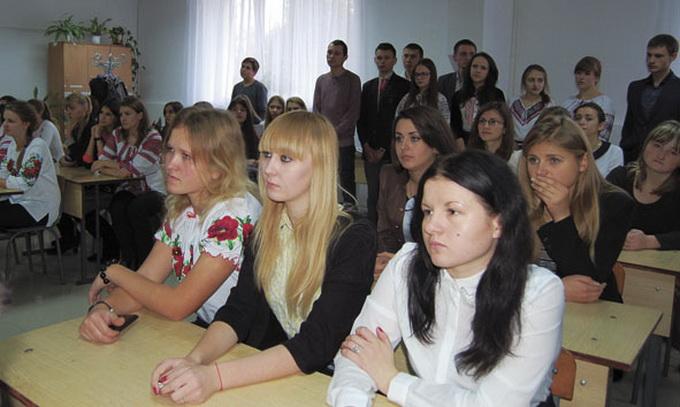 Центри кар'єри готують молодих людей до ринку праці