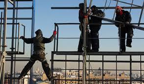 Медведєв перекриє доступ українським заробітчанам до Росії