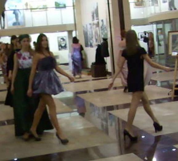 У Донецьку влаштували показ мод «Новороссия»