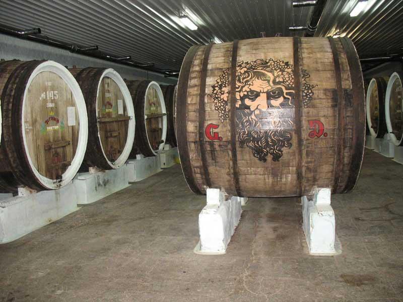 У Криму закрився винний завод «Сонячна Долина»