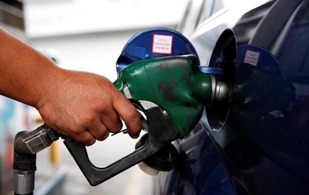 Літр бензину уже коштує 24 гривні