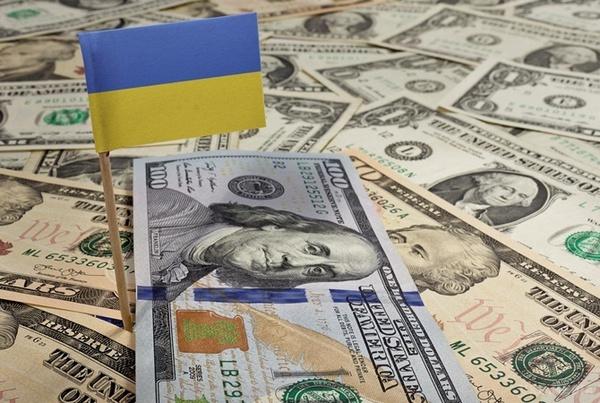 Україна отримала від МВФ $5 мільярдів першого траншу