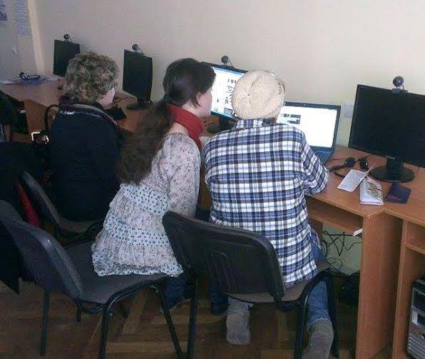 Лучан старшого віку безплатно навчають комп'ютерній грамоті