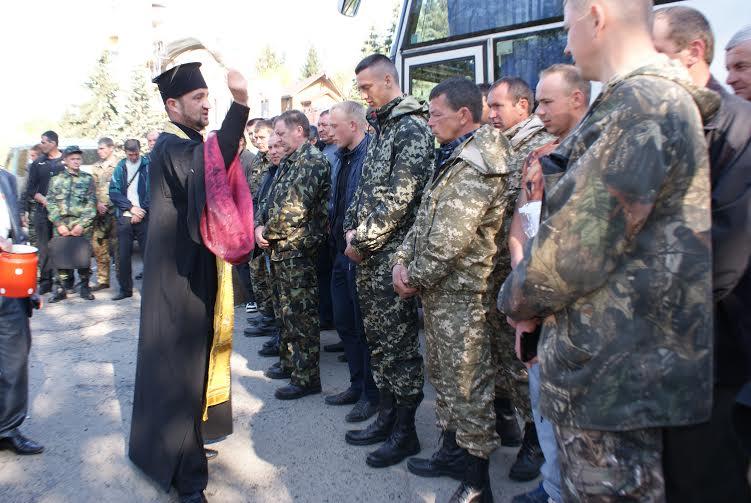 Півсотні волинських лісівників вирушили на східні рубежі України