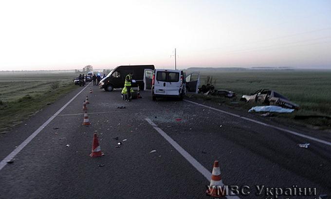 На Волині в подвійній аварії загинуло четверо людей, ще четверо отримали травми