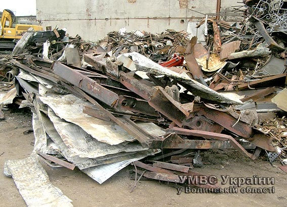 У Ковелі бандити вкрали металевий контейнер і розпиляли його на частини