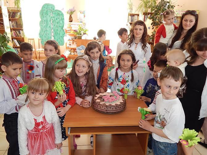 У Рожищенській бібліотеці для дітей відбувся день сімейного відпочинку
