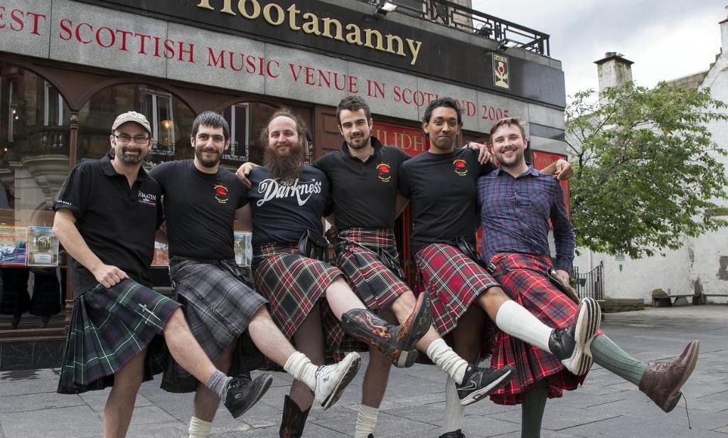 Шотландські офіціанти відмовляються носити кілти через домагання жінок