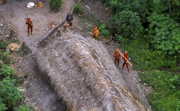 Агресивні вихідці з кам'яного віку проживають поблизу берегів Індії