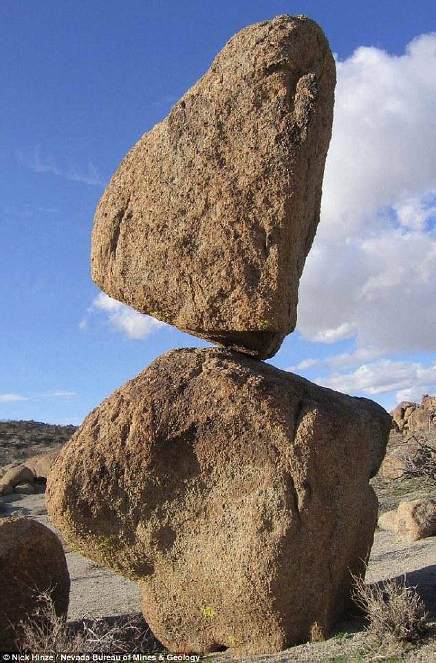 Таємницю загадкових каліфорнійських балансуючих каменів розкрито