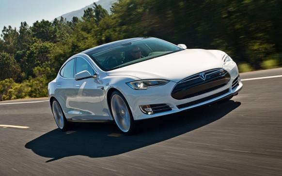 Електромобіль Tesla Model S «хакнули»