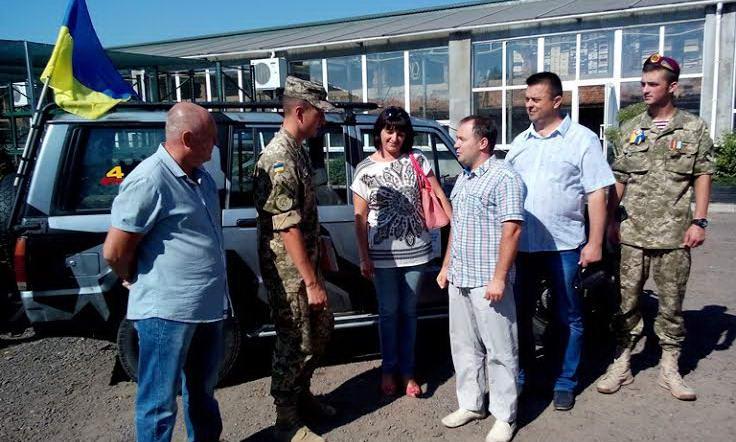 Волинські благодійники придбали для військових позашляховик