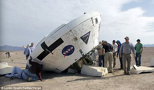 Космічна капсула «Оріон», яка повинна доставити людей на Марс, приземлилася догори  дном