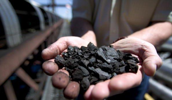 Терористи припинили постачання вугілля Україні