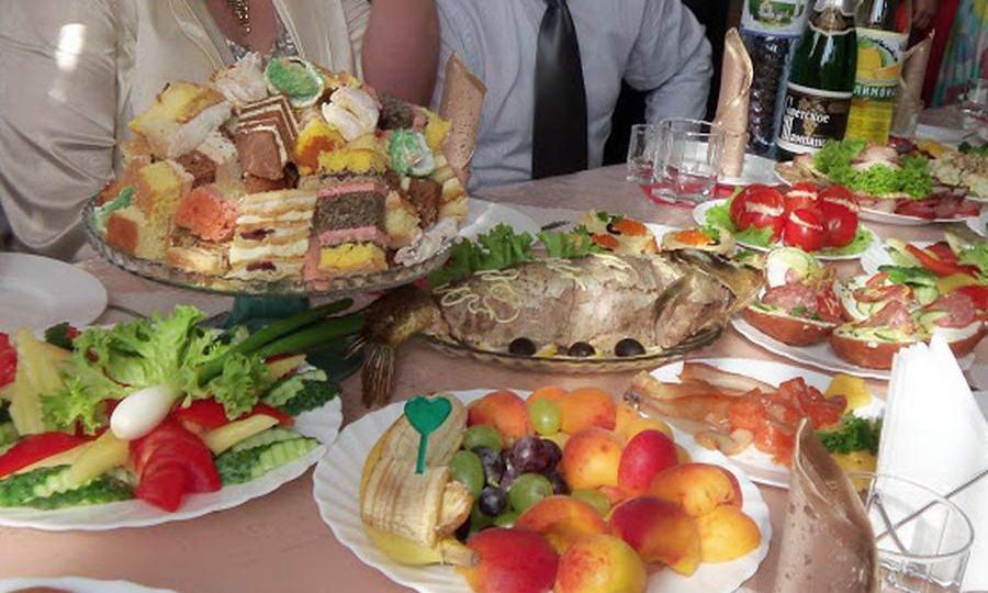 На Волині після двох весіль гостей госпіталізували з сальмонельозом