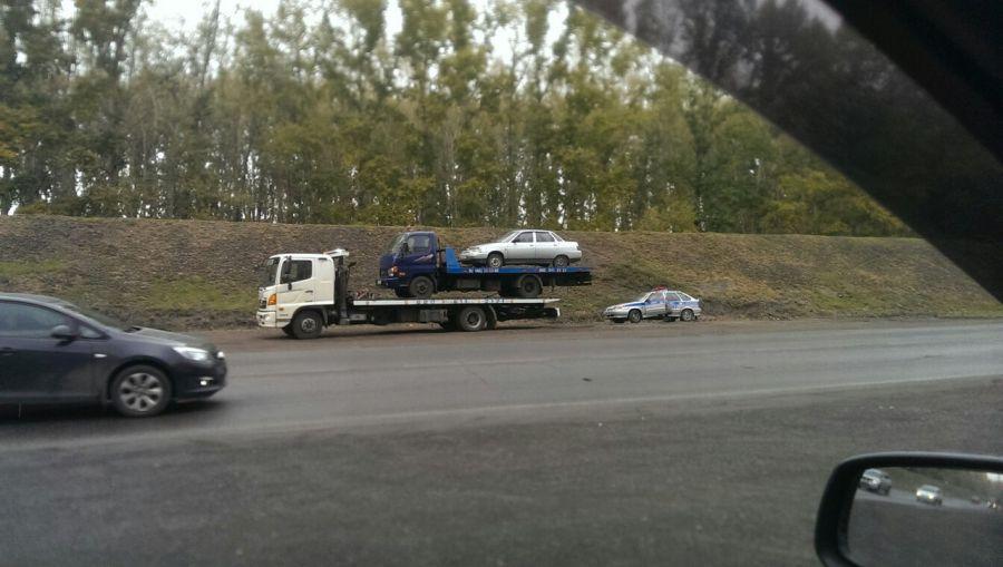 У Новокузнецьку евакуатор евакуював інший евакуатор зі встановленим на ньому автомобілем