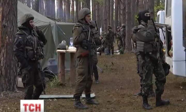 Волинській міліції довелося застосувати зброю, щоб розігнати незаконних бурштинокопачів