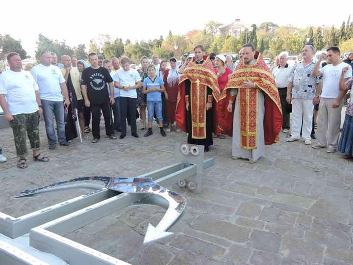У Криму почали будувати першу в світі підводну православну церкву