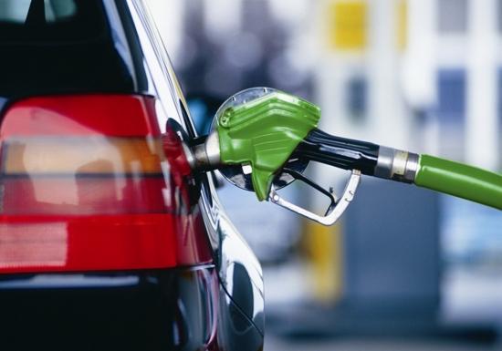 Попри вимоги АМКУ, ціни на бензин в Україні не знижуються