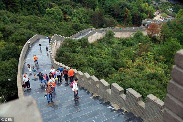 У Китаї з'явилася несправжня Велика китайська стіна