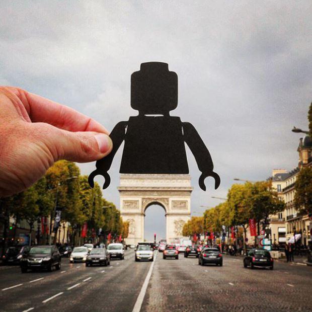 Британський фотограф змінює відомі пам'ятки за допомогою паперу та ножиць