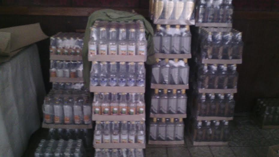 СБУ Волині вилучила фальсифікованої лікеро-горілчаної продукції майже на чотири мільйони гривень