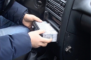 У Луцьку крадія автомагнітоли зловили «на гарячому»